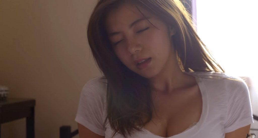 池田エライザ疑似セックス騎乗位